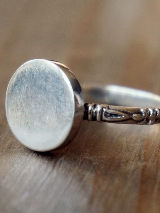 TAJ | Ring Lafayette Zilver from Wolf and Storm