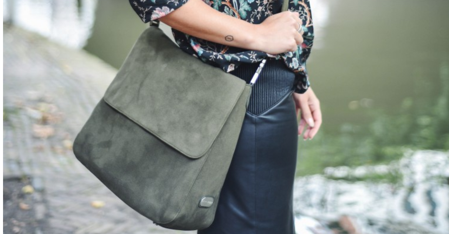 DENISE ROOBOL | COMFORT BAG ARMY GREEN