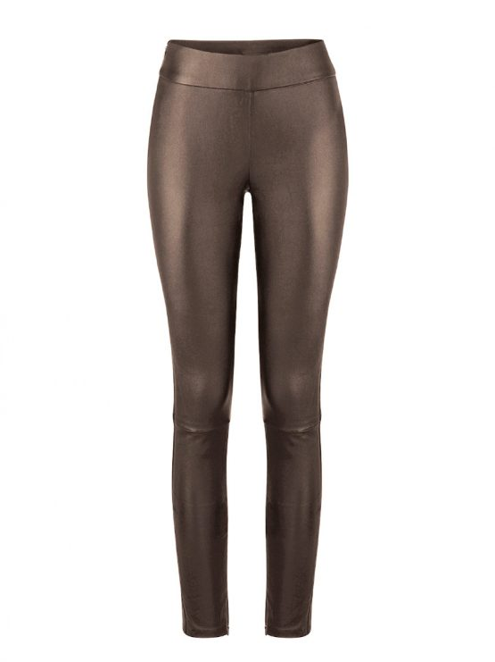 Op FairFrog: Vegan Leather Pants Bruin
